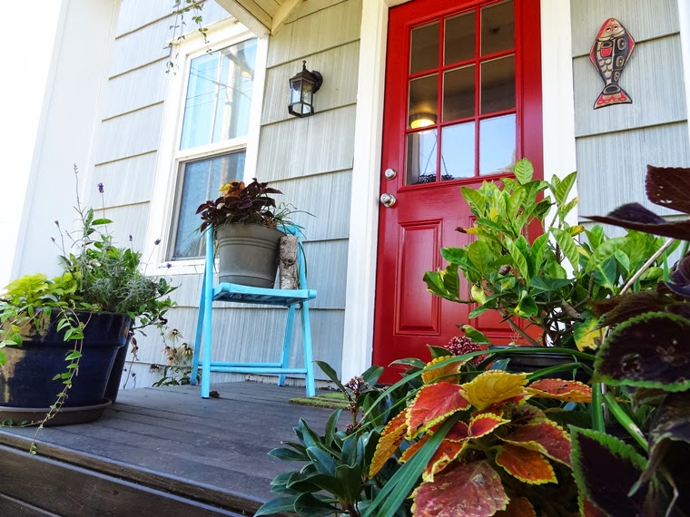 Houzz // DIY Painting Project: A Colorful Front Door | Revamp Homegoods
