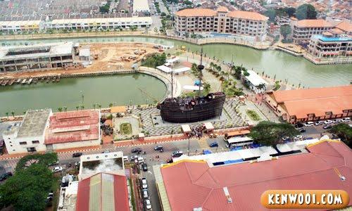 menara taming sari ship view