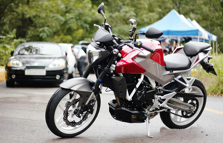 DSK Hyosung GD250N Specification Price Images And Reviews