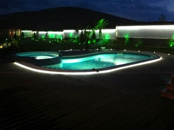 Басейн нощно осветление 2