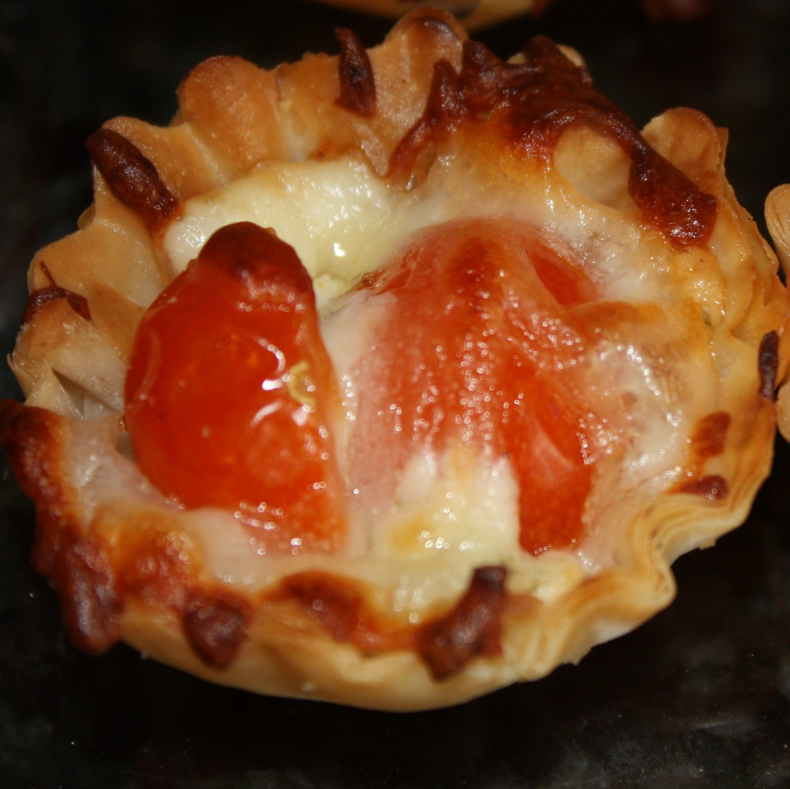 EVERYDAY SISTERS: Tomato Tartlets
