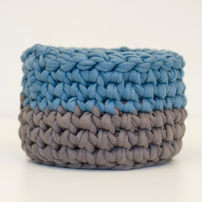 Teal Grey Crochet small bowl 01 by welaughindoors