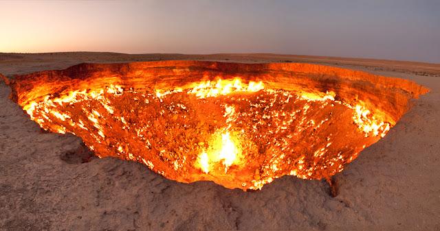 """""""Door to Hell,"""" Derweze, Turkmenistan"""