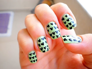 Nail Art: Mickey Mouse