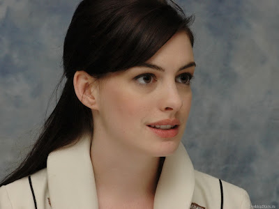 anne_hathaway_wallpaper_3