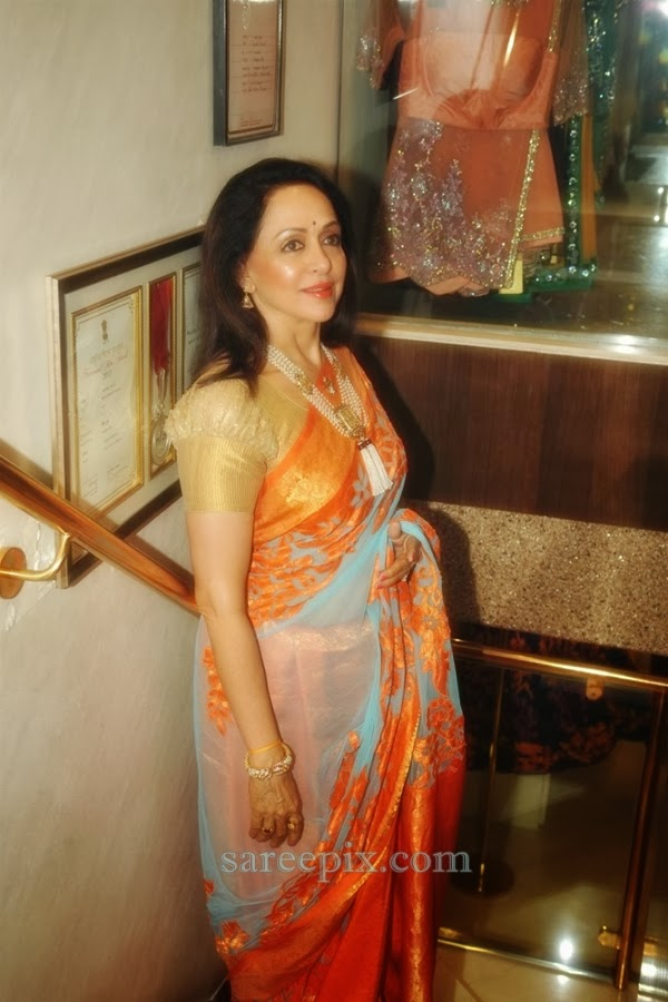 Hema-malini-saree-Neeta-lulla-new-collection-launch