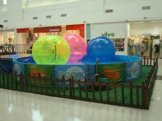 Ecobol diverte a garotada do Shopping Grande Rio