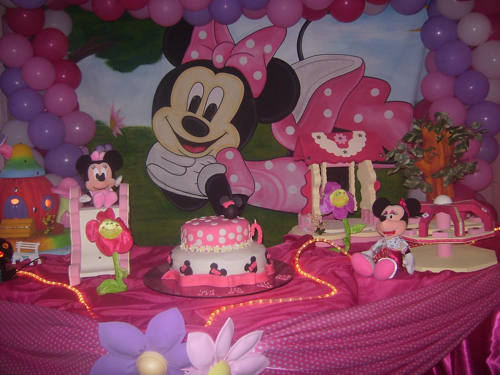 Cris Decorações  (73)99952258 Decoração da Minnie Rosa