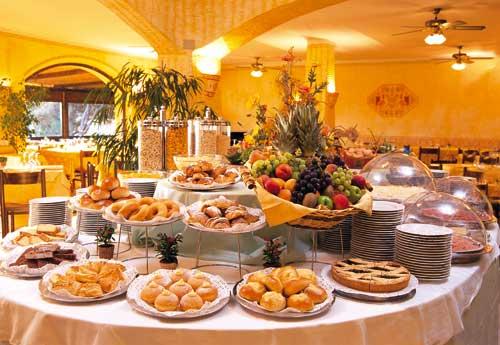 عيد ميلاد بكره مين عيد ميلاد ست الحلوين♪♫ روفان ♪♫ Buffet-Breakfast.jpg