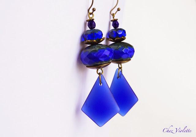 Boucles d'oreilles bleu roi - https://www.etsy.com/shop/chezviolette