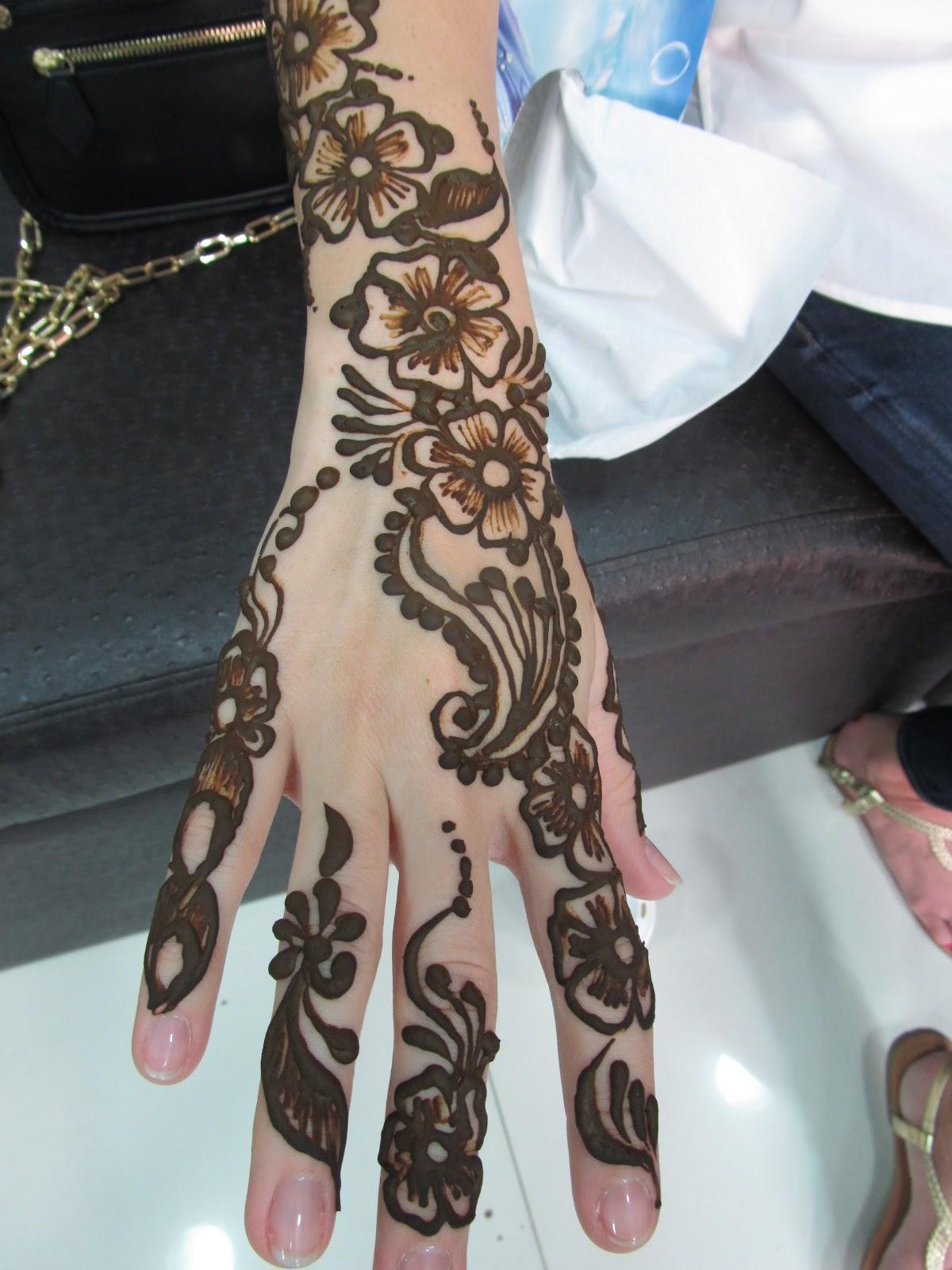The New Glitterati United Arab Emirates Part VII Henna39d