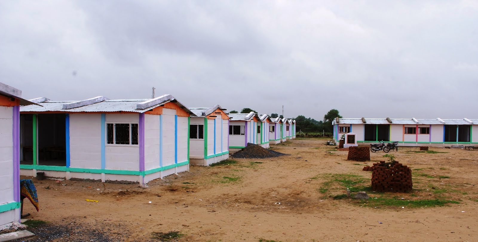 A newly constructed nomadic settlement at Nava Deesa: Banaskantha