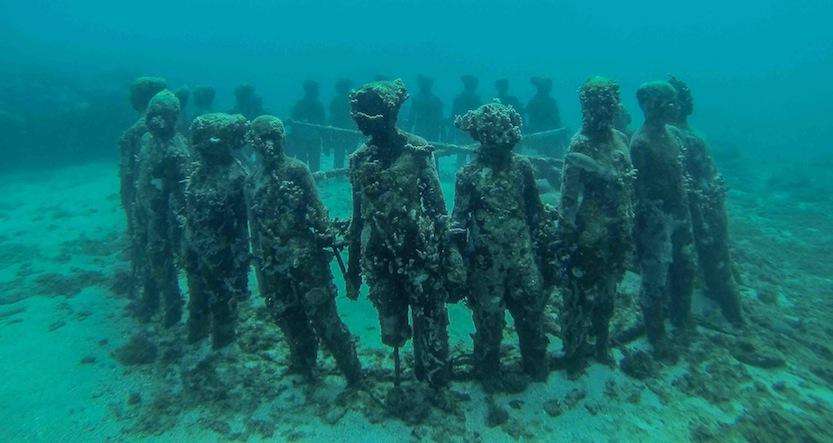 transplantasi karang metode underwater sculptures