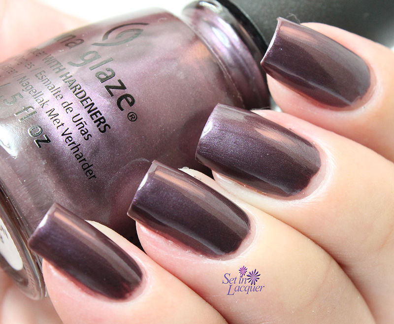 China Glaze - No Peeking!