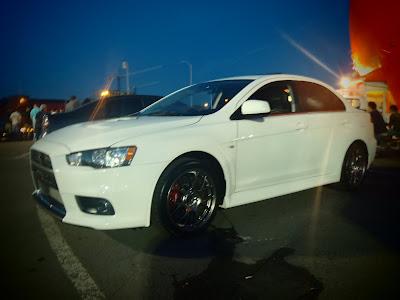 White Carbon Mitsubishi Evo