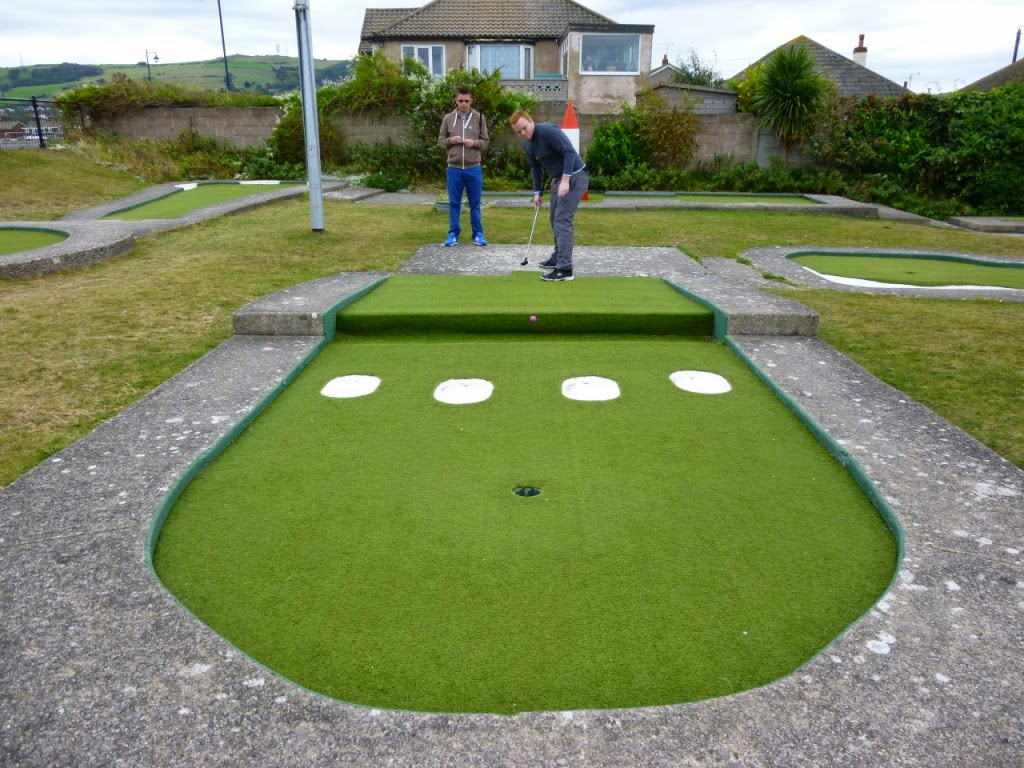 'The Butler Cup' On The Buses Crazy Golf Tournament