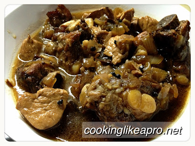 Cooking Adobong Spare Ribs (Slow-cook Recipe)