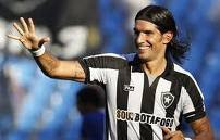 loco abreu en defensa de fred