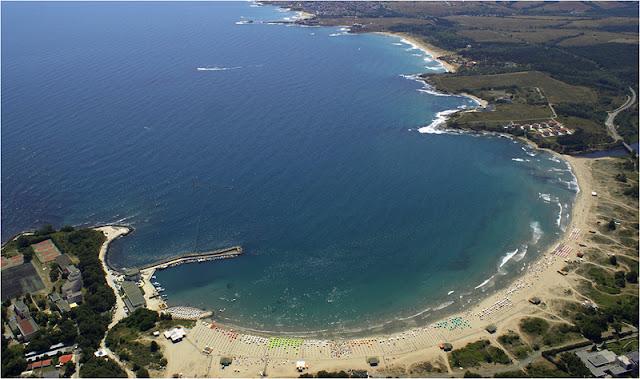 Снимка на Южния плаж на Китен от вдуха