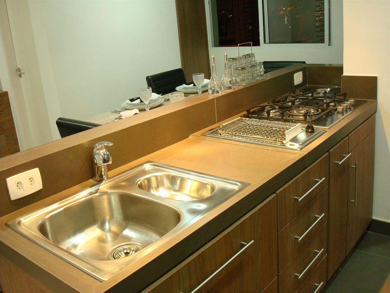 #C47807 Outra bancada de cozinha de porcelanato com a instalação da cuba de  1440x1080 px Bancada De Cozinha Americana De Porcelanato #1349 imagens