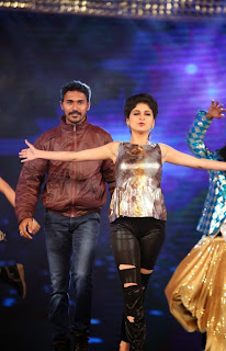 Actress Naveena Dance Performance at Gama Awards Pictures Stills Gallery 3