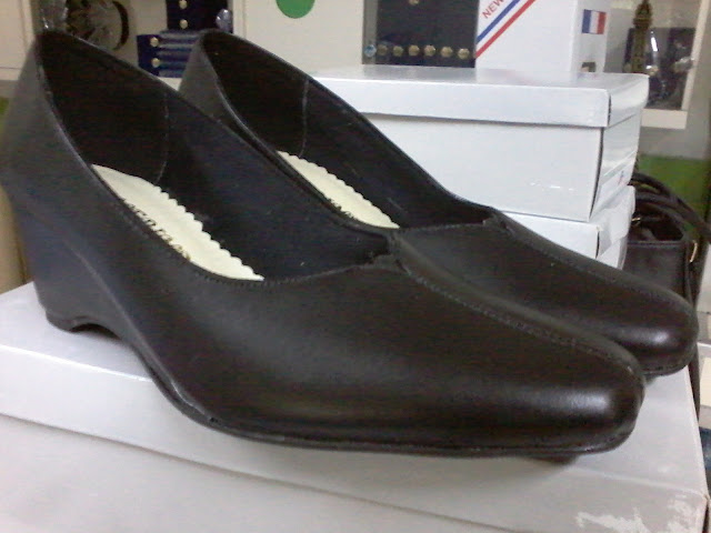 Sepatu Resmi Jalasenastri