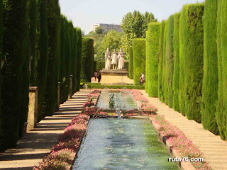 Jardines del Alcazar de los Reyes Cristianos cordoba andalucia