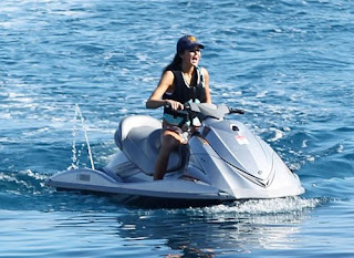 Kendall Jenner, Kylie Jenner, Jenner sister, Mykonos Beach, Mykonos Beach hotels, Mykonos Beach hotel, travel luxury, Mykonos Beach vip travel tour, Kendall Jenner bikini photos