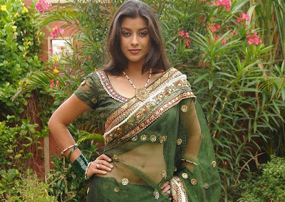 actress madhurima navel show photos