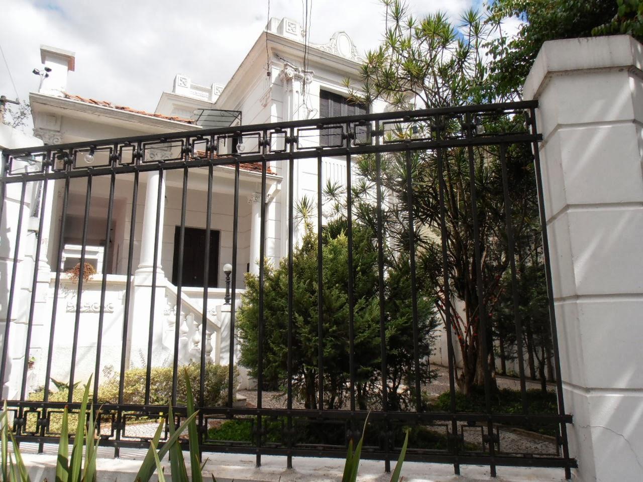 do quarto de casal com varanda e banheiro compartilhado R$ 190 00 #505A34 1280 960