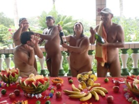 Naturismo Familiar http://sp-nat.blogspot.com/2013/01/confraternizacao-de-final-de-ano.html