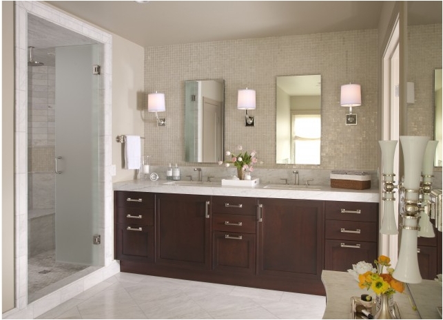 Transitional Master Bathroom Ideas : A transitional style bathroom interior