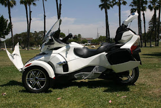 2011 Cam-An Spyder RT Roadster Touring picture