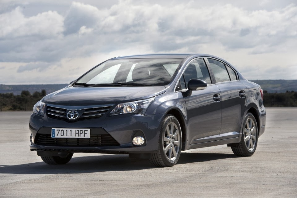 toyota avensis spy pictures review. Black Bedroom Furniture Sets. Home Design Ideas