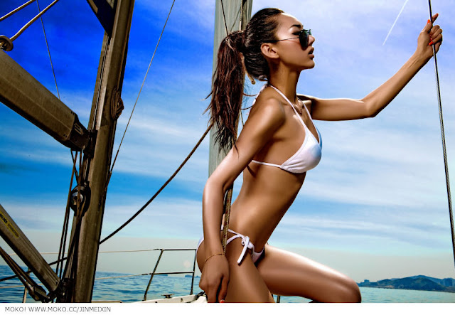 Jin Mei Xin sexy with bikini