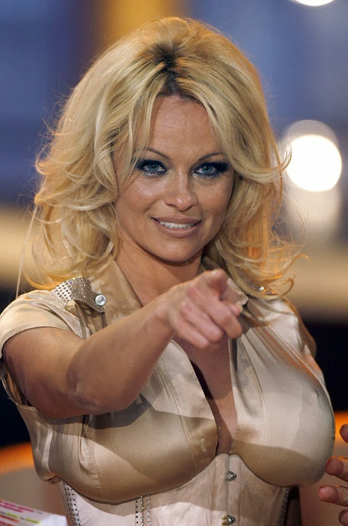 AtoZ hotphotos: Pamela Anderson hot stills Abbie Cornish Facebook