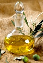 hair treatment with hot olive oil