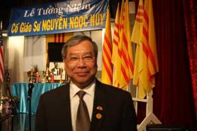 Ngô Thanh Hải : Thượng nghị sĩ gốc Việt đầu tiên ở Canada  Le-tuong-niem-GS-Nguyen-Ngoc-Huy-001+%281%29