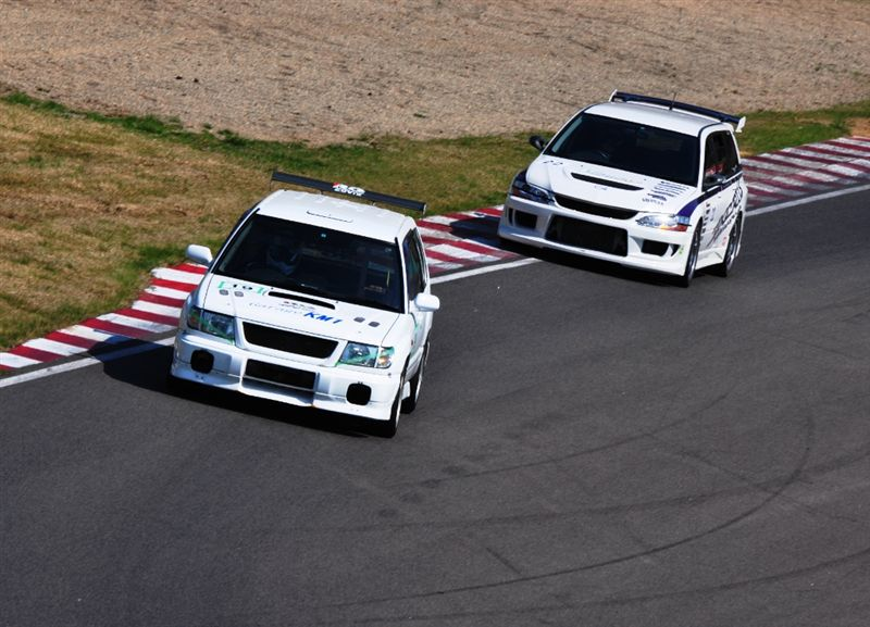 Subaru Forester & Mitsubishi Lancer Kombi