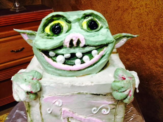 Cake Decoration Trolls : Frosted Art: Box Troll (shoes) Cake in Butter Cream- Cake Decorating- Video