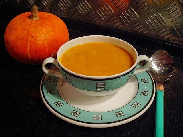 Slow Cooker Pumpkin Soup #lowcaloriesoup