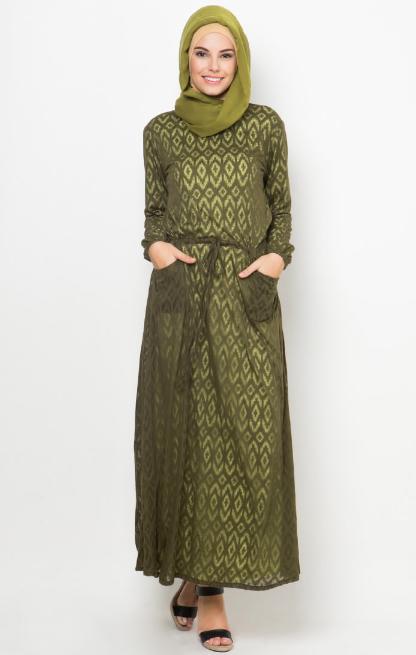 Gambar Busana Muslim Batik Untuk Wanita