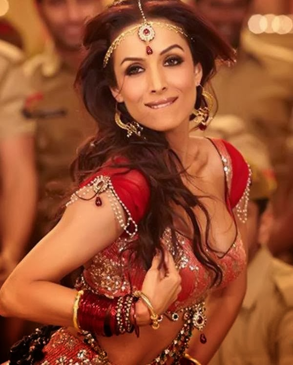 "Malaika Arora Khan Hot Song ""Munni Badnam"" From Dabangg red skirt hot red bra panty pics"