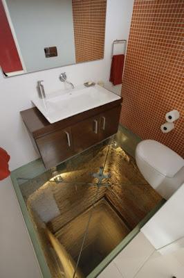 baño hueco ascensor suelo cristal transparente bathroom floor transparent glass elevator shaft