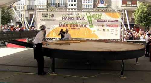 foto y cartel del evento Tortilla más grande del mundo