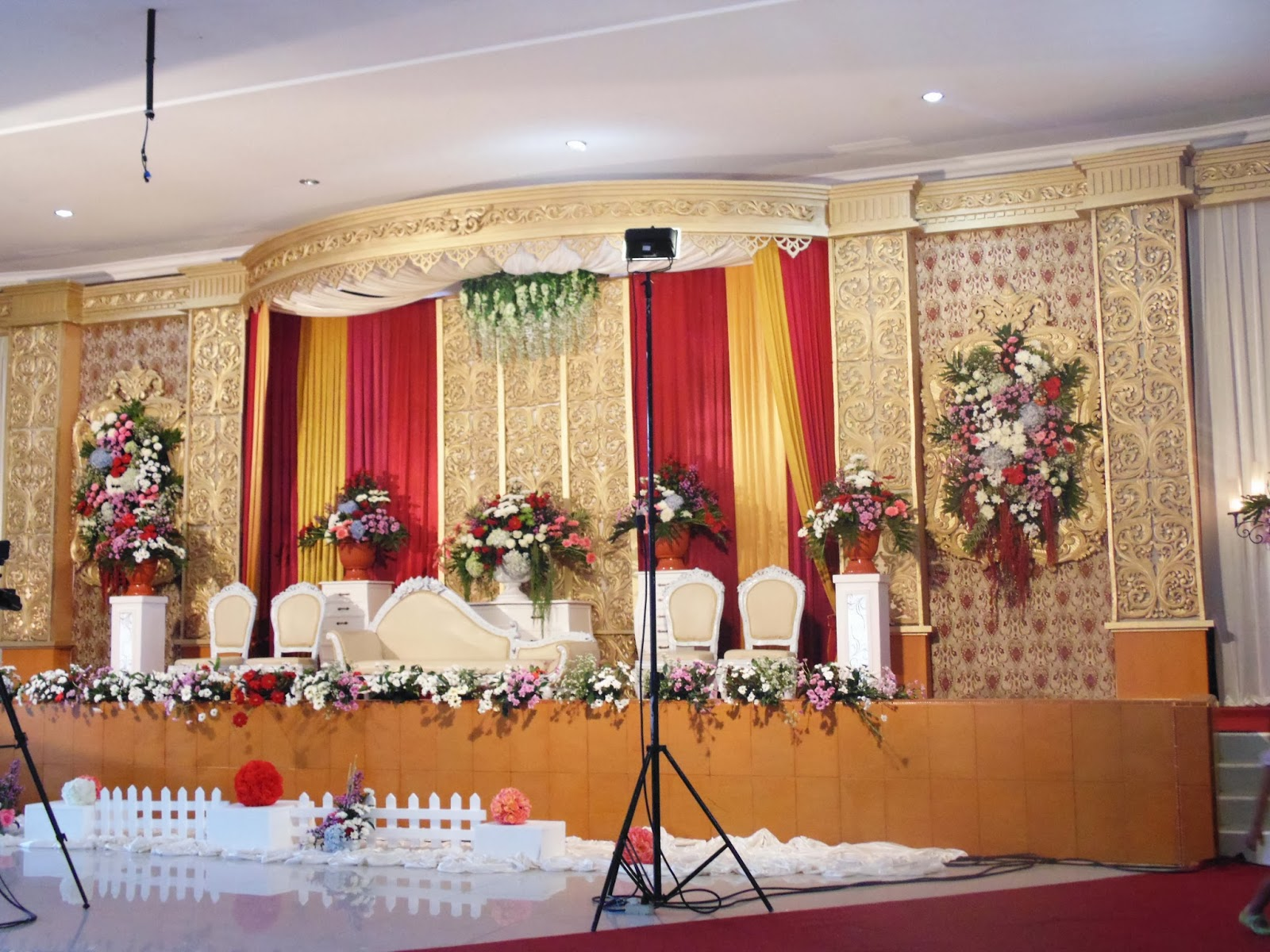 Dekorasi solo asmoro decoration dekorasi untuk mbak deffi for Asmoro decoration