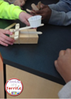 STEM Challenge: Experiment with catapults and angles and then build the best version possible! Fabulous challenge using the scientific method and engineering design process! Blog post tells you more and has fantastic photos of kids in action!