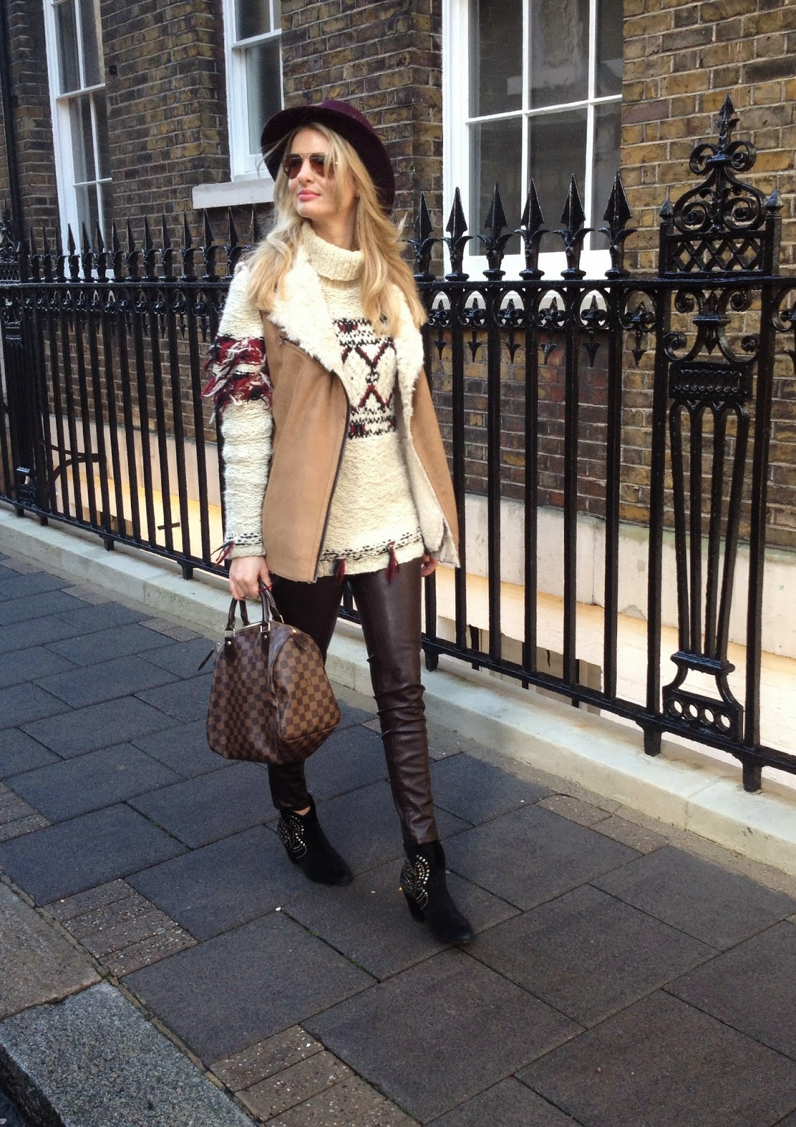 chrissabella, burgundy hat, isabel marant, isabel marant pour hm, isabel marant polo neck, isabel marant turtleneck jumper, leather pants, cropped leather pants, zara cropped leather trousers, zara brown leather trousers, ash boots, lv, louis vuitton, lv speedy, louis vuitton speedy, lfw street style, fashion blogger, fashion blogger lfw street style, boho chi