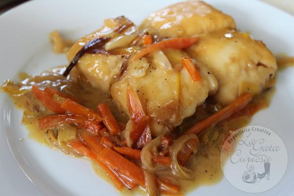Merluza a la sidra cocinar en casa es - Cocinar merluza en salsa ...