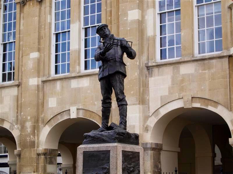 Estatua de Charles Rolls
